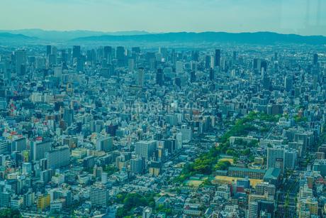 あべのハルカスからの大阪の街並みの写真素材 [FYI03444878]