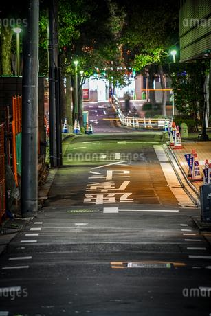路地裏の光景の写真素材 [FYI03445528]