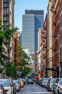 ニューヨーク・マンハッタンの街並みの写真素材 [FYI03445532]