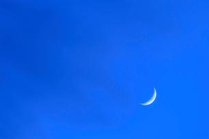 三日月の夜の写真素材 [FYI03446045]