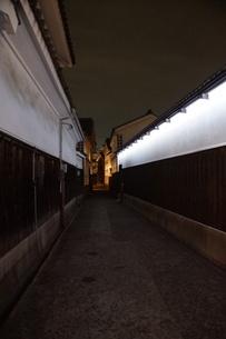 夜の倉敷の町並み 美観地区の写真素材 [FYI03446242]
