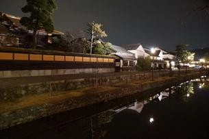 夜の倉敷の町並み 美観地区の写真素材 [FYI03446254]