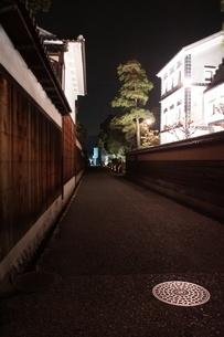夜の倉敷の町並み 美観地区の写真素材 [FYI03446255]