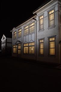夜の倉敷の町並み 美観地区の写真素材 [FYI03446260]