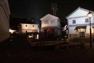 夜の倉敷の町並み 美観地区の写真素材 [FYI03446262]