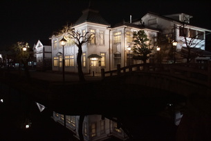 夜の倉敷の町並み 美観地区の写真素材 [FYI03446263]