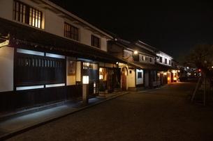 夜の倉敷の町並み 美観地区の写真素材 [FYI03446266]