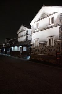夜の倉敷の町並み 美観地区の写真素材 [FYI03446269]
