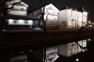 夜の倉敷の町並み 美観地区の写真素材 [FYI03446271]