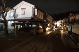 夜の倉敷の町並み 美観地区の写真素材 [FYI03446514]