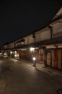 夜の倉敷の町並み 美観地区の写真素材 [FYI03446515]