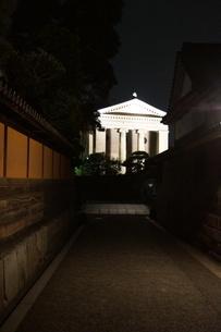 夜の倉敷の町並み 美観地区の写真素材 [FYI03446524]