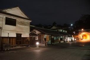 夜の倉敷の町並み 美観地区の写真素材 [FYI03446527]