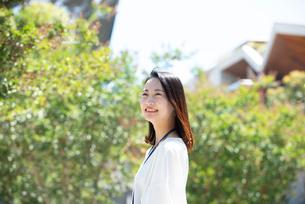 笑っている女性の写真素材 [FYI03446597]