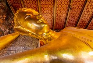 ワットポー 寝釈迦仏の写真素材 [FYI03446874]
