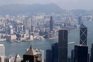 香港島のビクトリアピークから九龍半島を見るの写真素材 [FYI03447021]