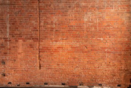 赤いレンガの壁の写真素材 [FYI03447104]