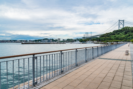 関門橋遠望の写真素材 [FYI03447116]