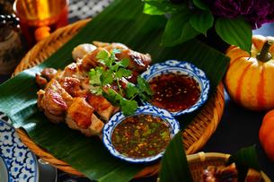 タイ料理 ガイヤーンの写真素材 [FYI03447141]