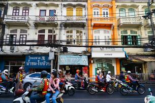 バンコク ジャルンクルン通りの写真素材 [FYI03447162]