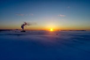 雲海の空撮の写真素材 [FYI03447364]