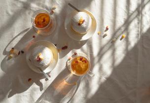 昼下がりのおやつタイム パンケーキの写真素材 [FYI03448118]