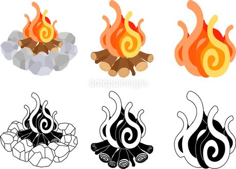 焚き火の可愛いアイコンのイラスト素材 [FYI03448167]
