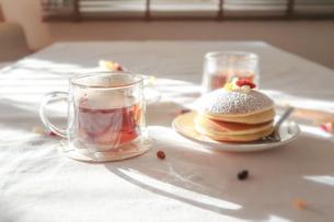 ティータイム 美味しいパンケーキ04の写真素材 [FYI03448296]
