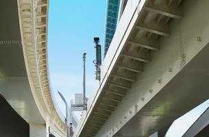 高速道路の高架の写真素材 [FYI03448364]