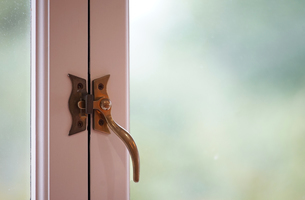 窓のハンドルの写真素材 [FYI03449270]
