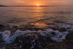 玄界灘夕景の写真素材 [FYI03449340]