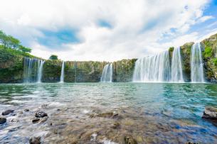 滝の写真素材 [FYI03449627]