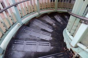 下りの螺旋階段の写真素材 [FYI03449855]