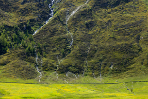 スイス、シンプロン峠の風景の写真素材 [FYI03450467]