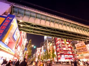 夕暮れの秋葉原電気街の写真素材 [FYI03450924]