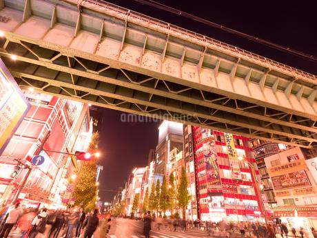 夕暮れの秋葉原電気街の写真素材 [FYI03450928]