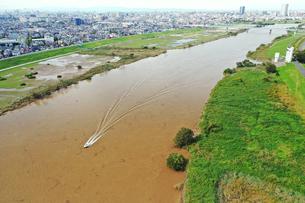 増水した江戸川の写真素材 [FYI03452199]