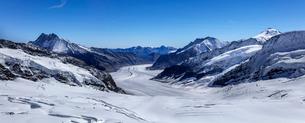 スイス、ユングフラウ、アレッチ氷河パノラマ風景の写真素材 [FYI03452749]