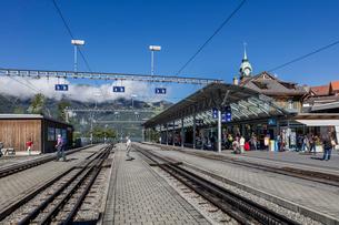 スイス、オーバーラント、ヴェンゲン駅の風景の写真素材 [FYI03452771]