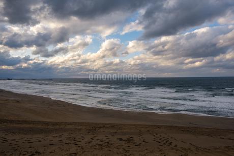 鳥取砂丘と日本海の写真素材 [FYI03452800]