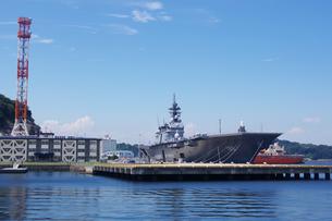 横須賀の船の写真素材 [FYI03453180]