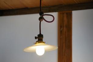部屋の灯りの写真素材 [FYI03453182]