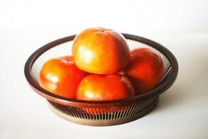 秋の味覚・富有柿の写真素材 [FYI03453440]