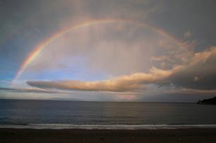 海と虹の写真素材 [FYI03453837]