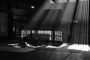妻籠宿脇本陣 囲炉裏の写真素材 [FYI03453907]