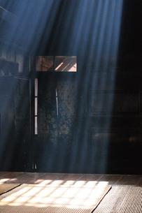 妻籠宿脇本陣 光の写真素材 [FYI03453937]