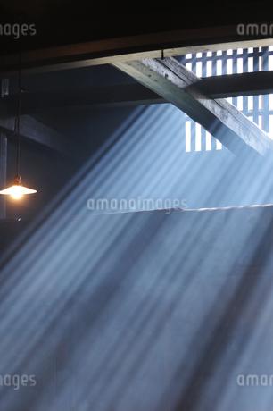 妻籠宿脇本陣 光の写真素材 [FYI03453938]