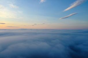 雲海の空撮の写真素材 [FYI03454020]
