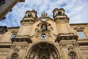 古都サンセバスティアンのサンタマリア教会の写真素材 [FYI03454703]