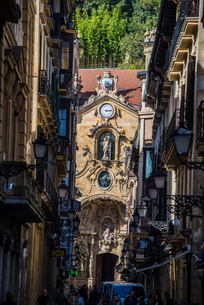 古都サンセバスティアンのサンタマリア教会の写真素材 [FYI03454710]